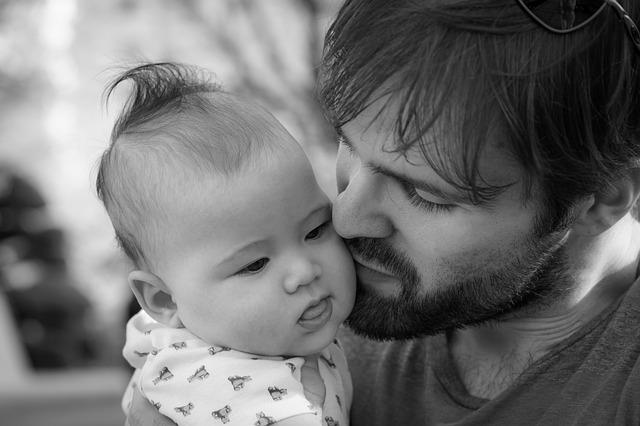 aprobada la ampliacion permiso de paternidad