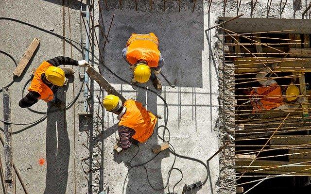 COVID-19. El Gobierno prohíbe las obras en edificios en los que ...